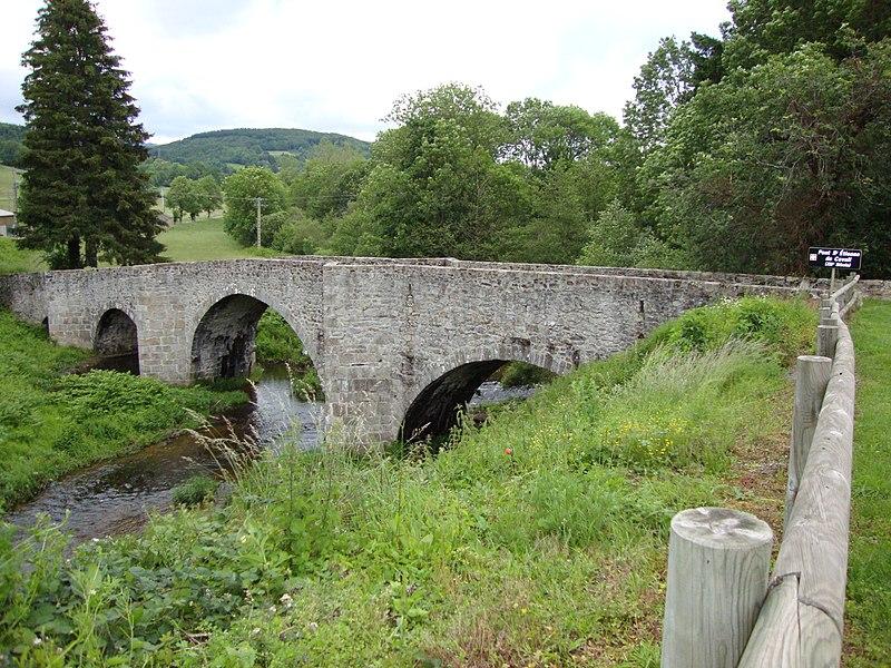 La Salvetat-sur-Agout (Hérault, Fr) pont St.Étienne-de-Cavall sur le Vèbre.