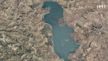 پرونده:Lake Urmia Google Earth Timelapse 1984–2018.webm