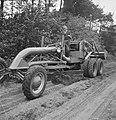 Landbouwmachines, werktuigen, arbeiders, werkzaamheden, Bestanddeelnr 251-7050.jpg