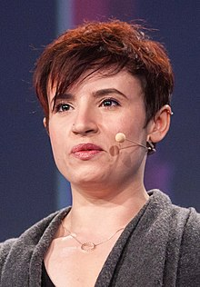 Laurie Penny speaking at republica 2016 (cropped).jpg