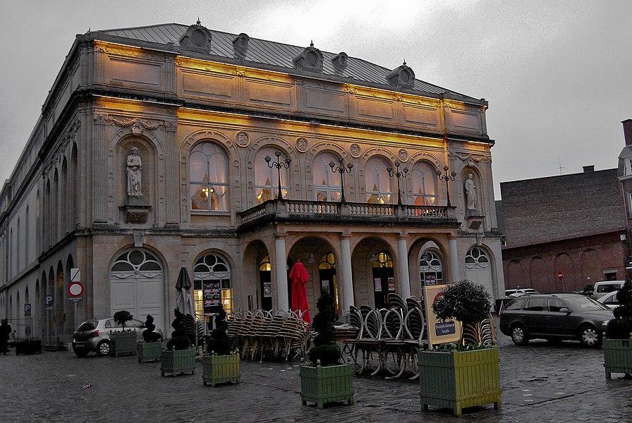 Théâtre Royal de Namur, depuis les façades principales et latérales y compris les toitures et l'intérieur jusqu'au rideau de fer