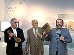 """Leal, Memolli y Giles en la inauguración de """"Argentina en Antártida"""" en el Museo Malvinas (21742400506).jpg"""