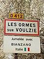 Les Ormes-sur-Voulzie-FR-77-panneau d'agglomération-a2.jpg