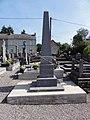 Lez-Fontaine (Nord, Fr) monument aux morts.jpg