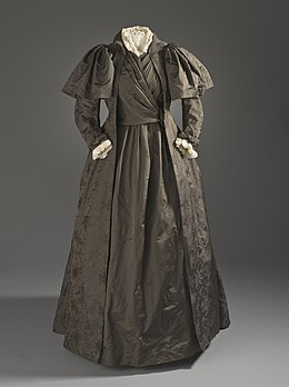 Liberty and Company tea gown c. 1887.jpg