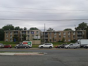 Lincolnia, Virginia - Apartment complex in Lincolnia, May 2017