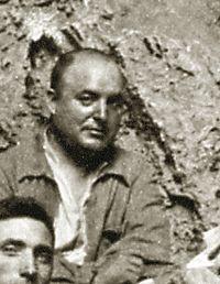 Lluis Pericot a la Cova del Parpalló, anys 30.jpg