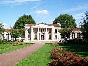 Hôtel de ville de Louvres