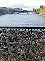 Love padlocks Pont des Arts 2012-10-13 n01.jpg