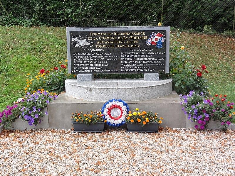 Ly-Fontaine (Aisne) monument aviateurs 18-04-1944