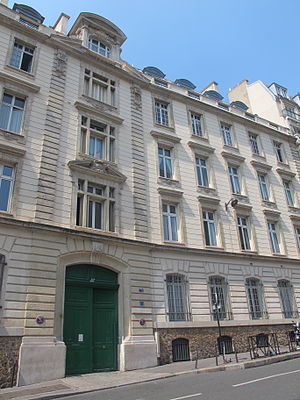 Saint-Jean de Passy - Entrance to Saint-Jean de Passy from Rue Raynouard.