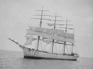 Lynton (ship, 1894) - SLV H91.108-373.jpg