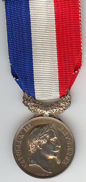 Honour medal for courage and devotion - Image: Médaille d'honneur pour acte de courage et dévouement 2e Empire