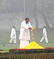 M. Veerappa Moily paying floral tributes at the Samadhi of former Prime Minister, Late Smt. Indira Gandhi, on her death anniversary, at Shakti Sthal, in Delhi on October 31, 2012.jpg