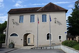 The town hall in Pirey