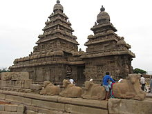 Mamallapuram One rock sculpture 2.jpg