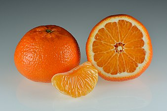 Mandarins - whole and halved.jpg