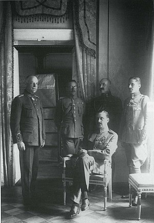 Carl Gustaf Emil Mannerheim - Mannerheim as Regent (seated), with his adjutants (left) Lt. Col. Lilius, Capt. Kekoni, Lt. Gallen-Kallela, Ensign Rosenbröijer.