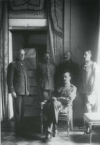 Adjutant - C.G.E. Mannerheim as regent of Finland (sitting) and his adjutants (from the left) Lt.Col. Lilius, Cap. Kekoni, Lt. Gallen-Kallela, Ensign Rosenbröijer