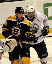 220px-Mark_Recchi_and_Tom_Gilbert Mark Recchi Atlanta Thrashers Boston Bruins Carolina Hurricanes Mark Recchi Montreal Canadiens Philadelphia Flyers Pittsburgh Penguins Tampa Bay Lightning