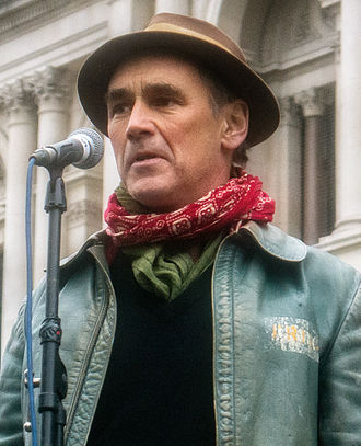 Mark Rylance - Rylance speaking at a rally of the Stop the War Coalition against the war in Syria, London, November 2015