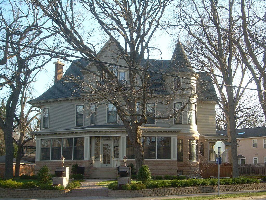 File:Mary Tyler Moore House 2.jpg - Wikimedia Commons
