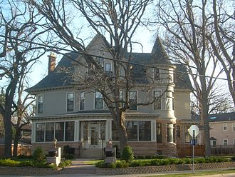 The Mary Tyler Moore Show - The house on Kenwood Parkway