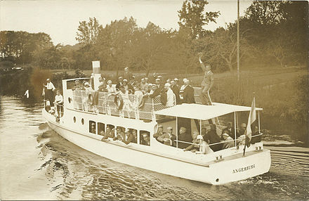 German tourists sailing near Angerburg (now Wegorzewo), 1929 Masovias 99. Stiftungsfest.jpg