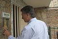 Mauricio Macri supervisó obras en el barrio Piedrabuena (8284525093).jpg