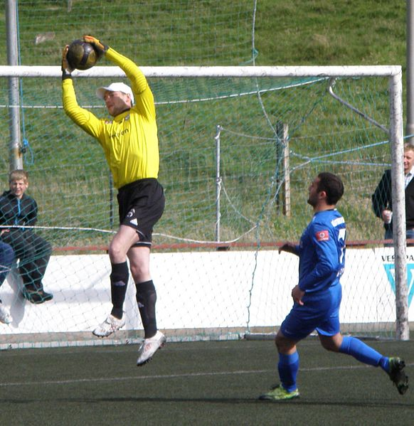 File:Meinhard Joensen Goalkeeper for B36 and Mamuka Toronjadze a FCSuduroy Midfielder.jpg