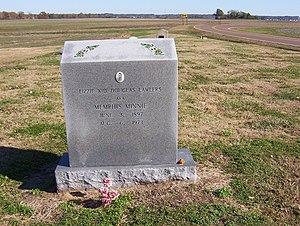 Walls, Mississippi - Memphis Minnie's grave (2008)