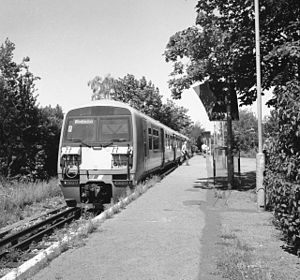 Merton Park railway station - Merton Park railway station in 1997