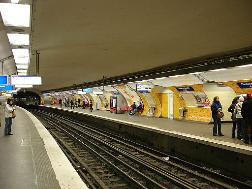 Metro de Paris - Ligne 2 - Charles de Gaulle - Etoile 04