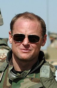 Michael Yon in Iraq cropped.JPG