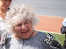 Miriam Margolyes speaking to journalists in January 2013.jpg
