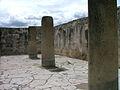 Mitla 2 columnas.JPG