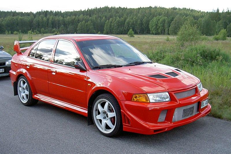 800px-Mitsubishi-Lancer-Evolution_r%C3%B6d.jpg