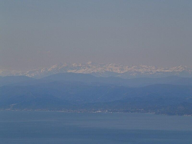 File:Monte Fasce Aprile 2006 (29).jpg