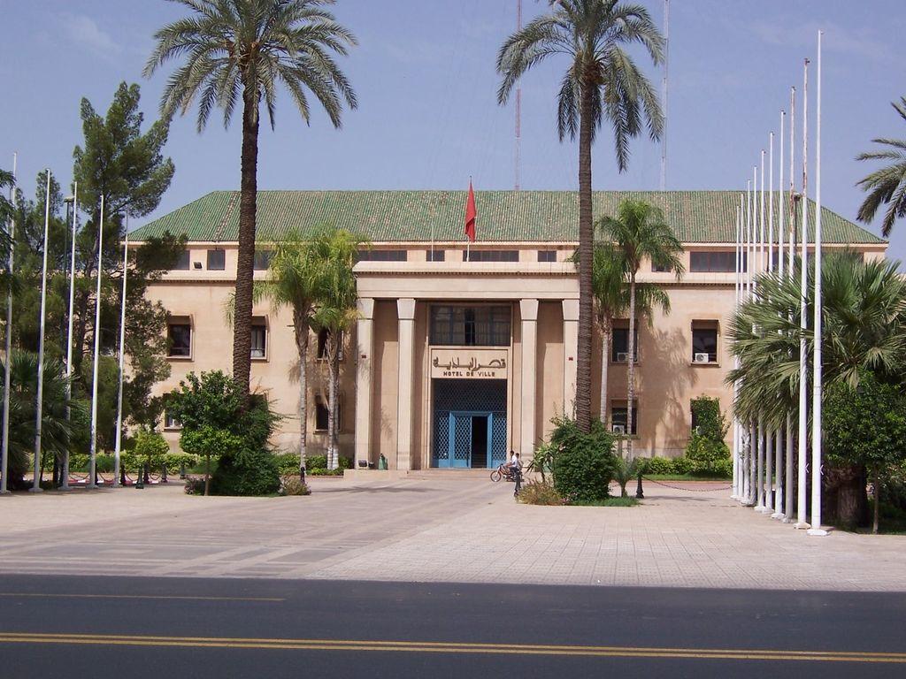 Mairie de Marrakech dans la Nouvelle Ville entre la place Jemaa el Fna et la Grande Poste. Photo de Dániel Csörföly.