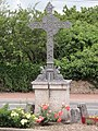 Mosnes (Indre-et-Loire) croix de chemin.JPG