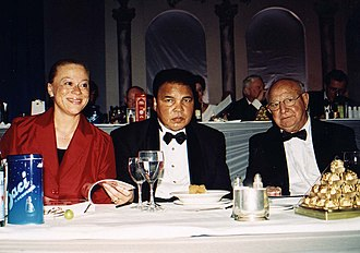 Angelo Dundee - Dundee with Muhammad Ali and his wife Lonnie, 2000