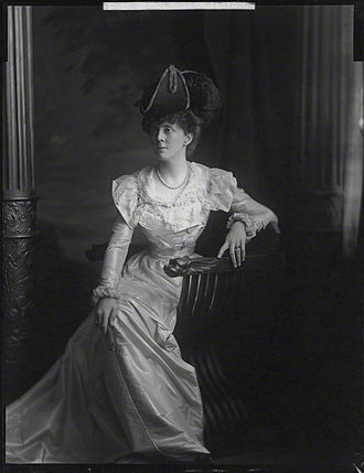 Sarah Wilson (war correspondent) - 1893 photograph of Lady Sarah by Henry Walter ('H. Walter') Barnett, whole-plate glass negative