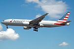 N752AN Boeing 777 American (14809460875).jpg
