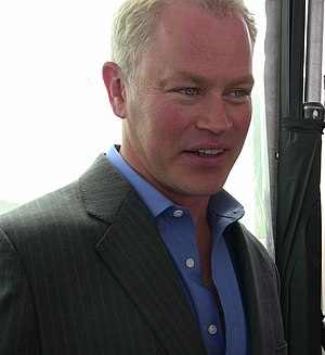 You're Gonna Love Tomorrow - Neal McDonough made his debut appearance in this episode as Dave Williams, Edie Britt's mysterious third husband.