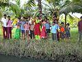 Niños en Kerala India Backwaters.JPG