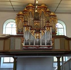 Nikolauskirche Mundelsheim - Weinmar-Orgel von 1784.jpg