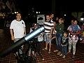 Observação astronômica do projeto Astronomia Para Todos na 12º Feira do Livro de Sertãozinho. Mais de 1000 pessoas puderam observar Saturno e a Lua em dois dias de obervação. - panoramio (9).jpg