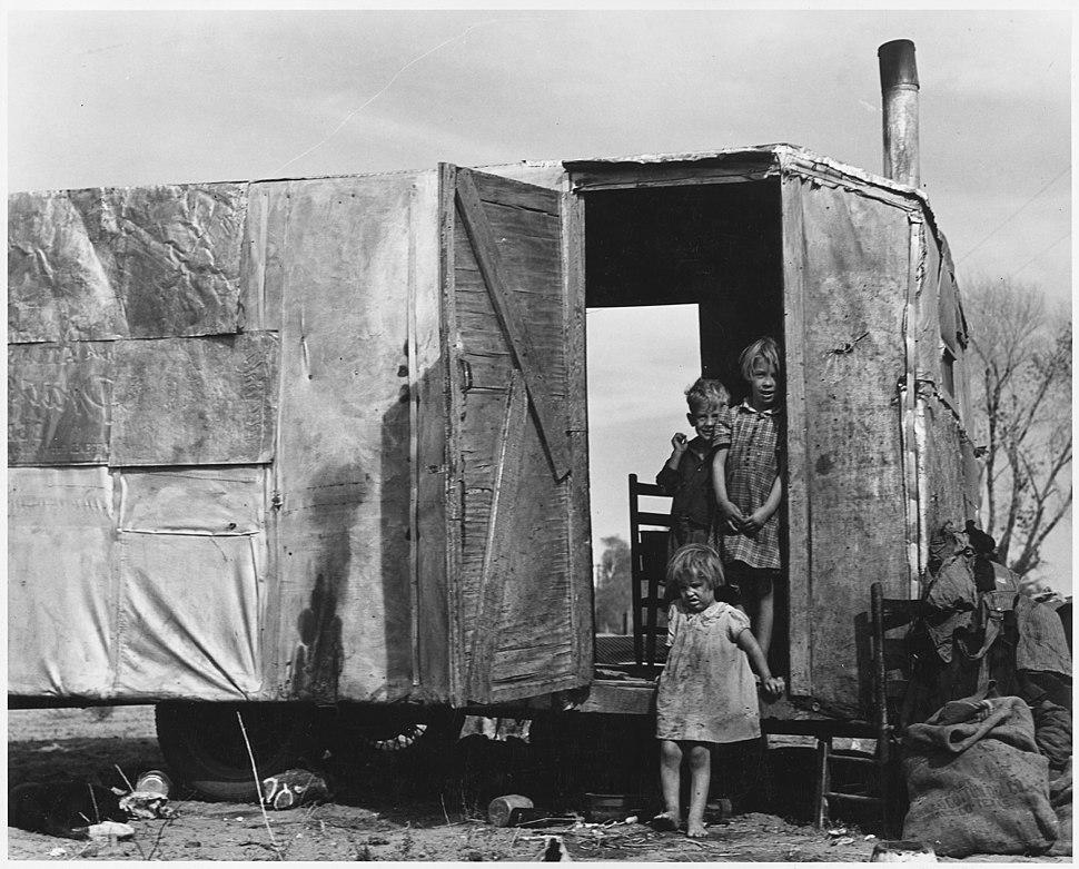 On Arizona Highway 87, south of Chandler. Maricopa County, Arizona. Children in a democracy. A migra . . . - NARA - 522528