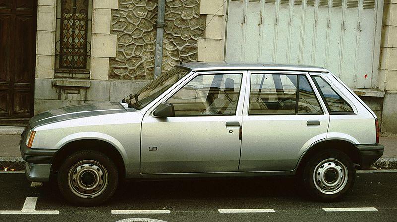 avvistamenti auto storiche - Pagina 3 800px-Opel_Corsa_5_door_hatchback