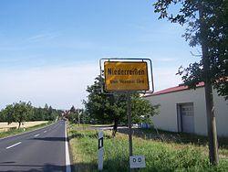 Ortseingang Niederreißen - Weimarer Land.JPG